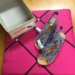 NWT Mossimo size 7 blue sandals